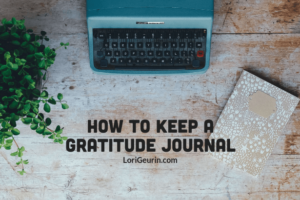 This article gives you 10 simple tips for keeping a gratitude journal & will show you how doing so can improve your happiness, health & life.