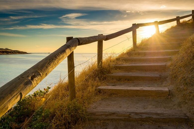 natural stairs by the ocean for faster weight loss