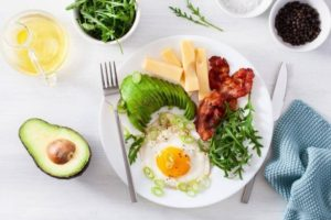 10 Easiest Ways To Cut Carbs And Lose Weight