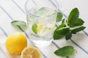 9 Surprising Health Benefits Of Drinking Lemon Water