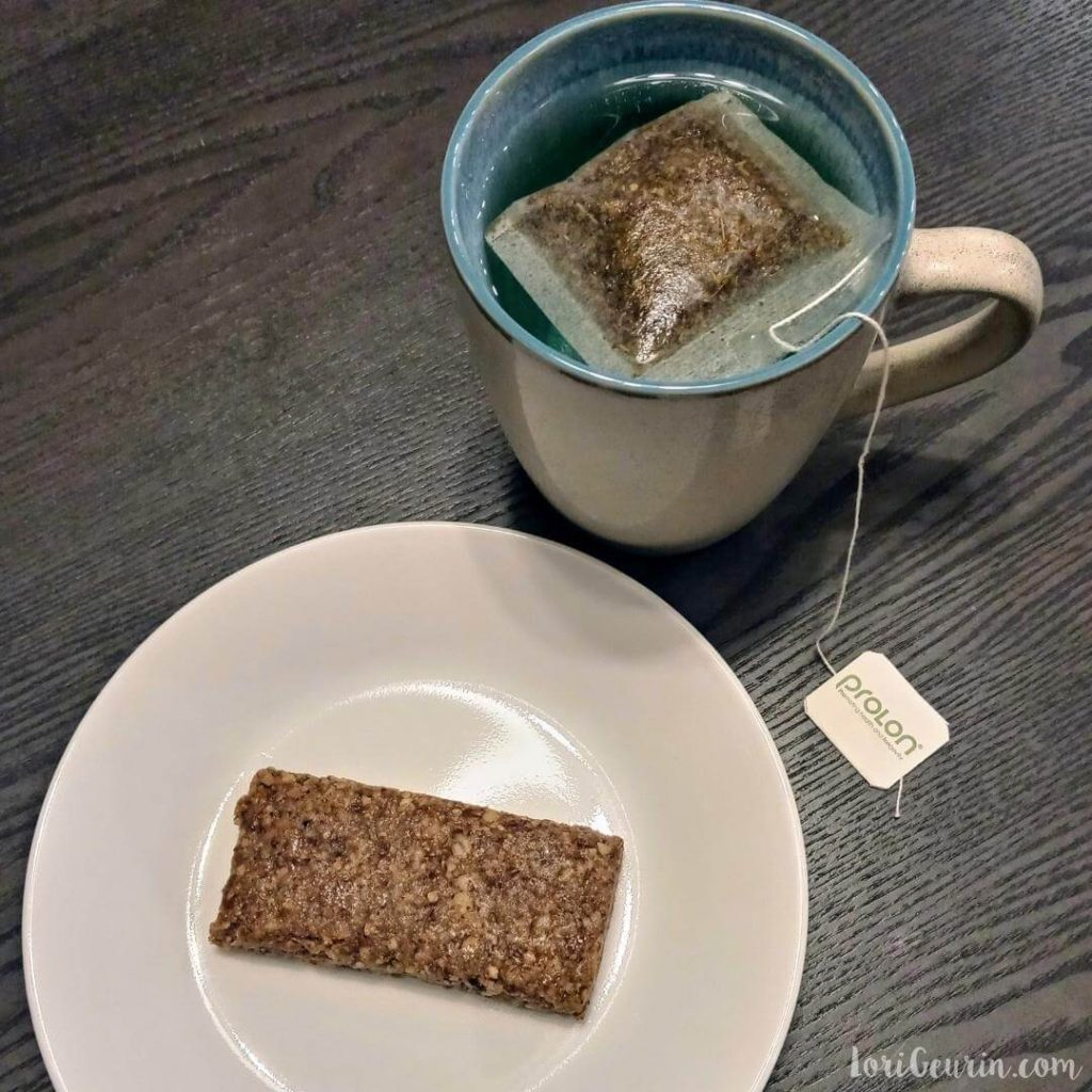 fasting mimicking diet plan /  breakfast, day 1, a nut-based bar