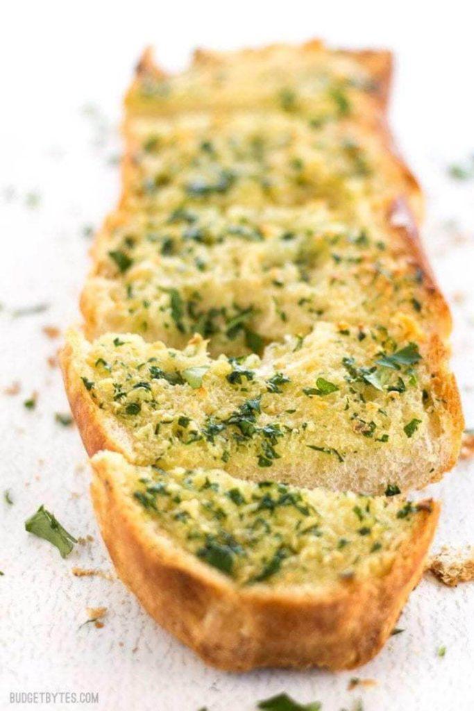 health benefits of eating garlic /  garlic toast