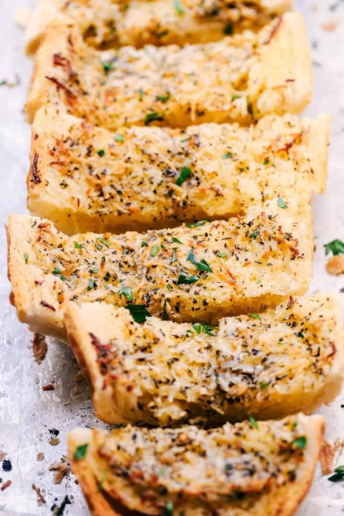 health benefits of eating garlic bread / sliced garlic bread