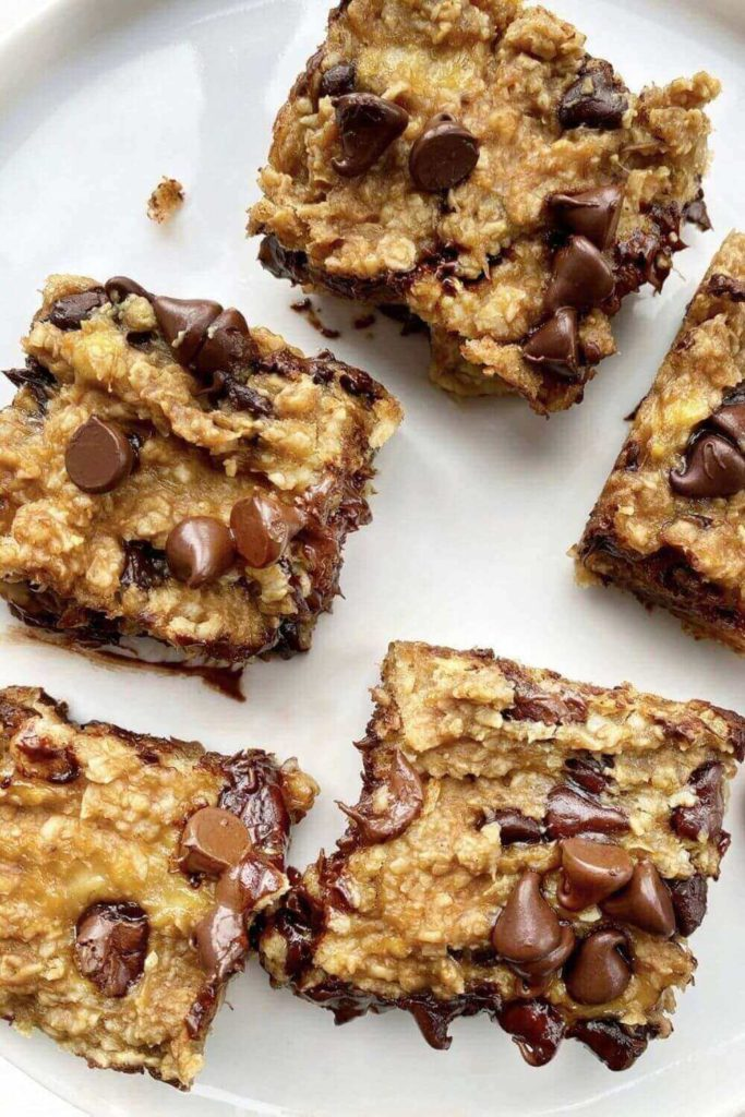 high protein snack recipes / 4 ingredient peanut butter banana bars
