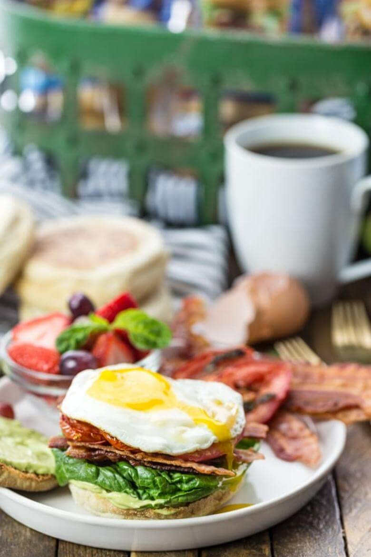 healthy breakfast foods / ultimate breakfast blt