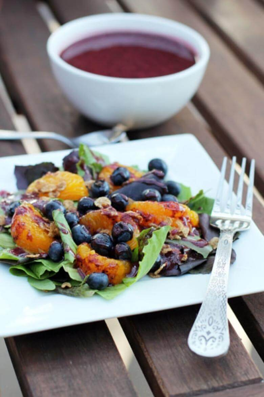 healthy breakfast foods / breakfast salad