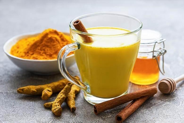 turmeric milk with honey