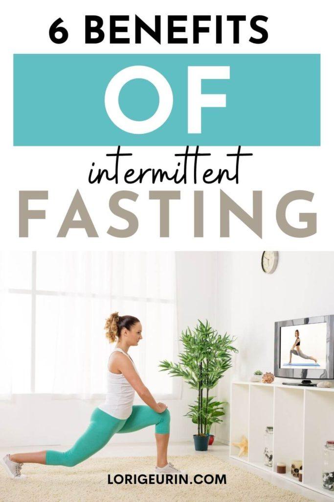 benefits of fasting / woman doing yoga